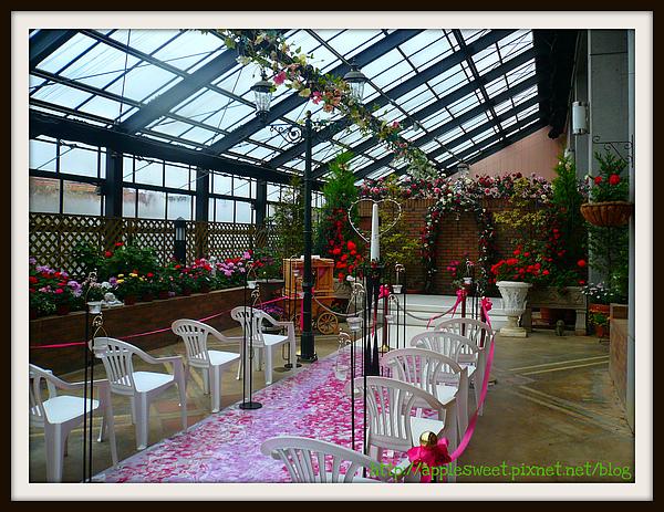 2010.04.22--這裡是挺有名的婚禮場地