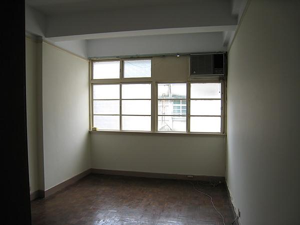 房間原貌-1