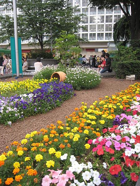 新宿地鐵站口景觀-1