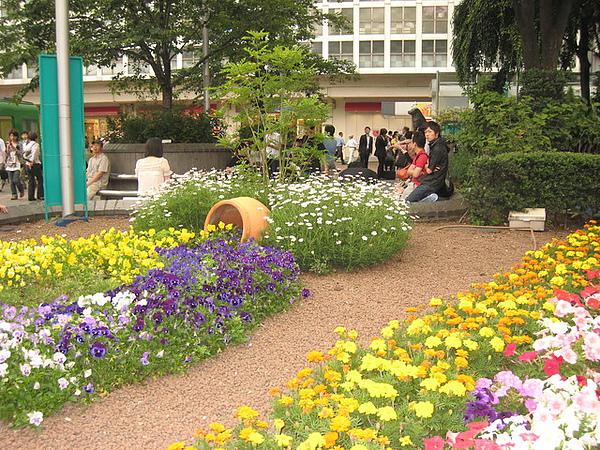 新宿地鐵站口景觀-2