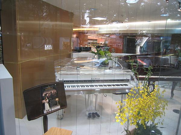 業主想要扳回台灣的KAWAI鋼琴-1