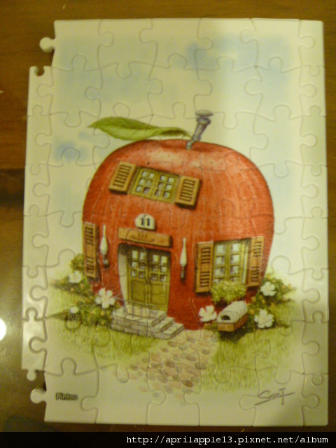 拼完紅蘋果屋的邊框