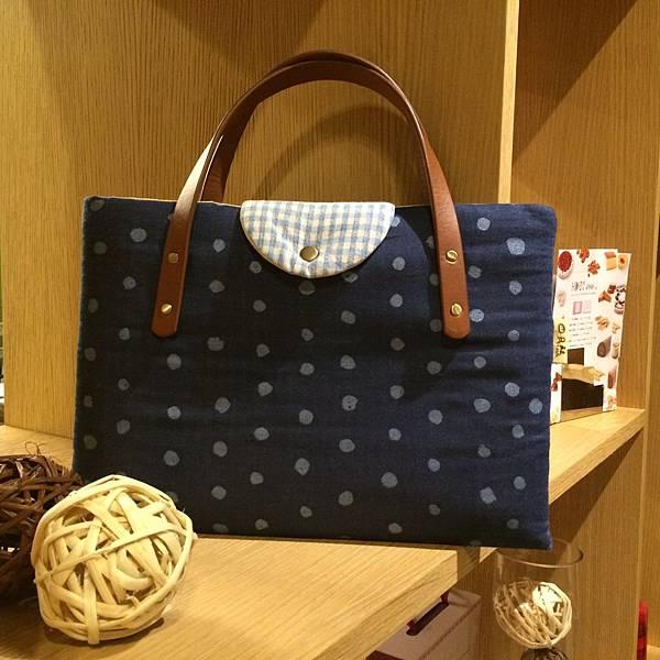藍色水玉筆電包-09