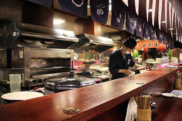 105111-新宿食事處-06