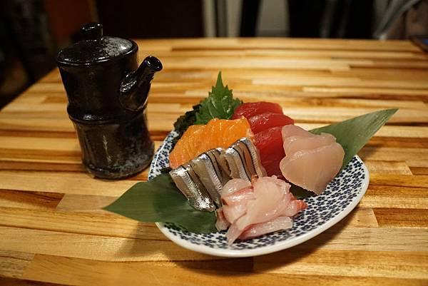 「綜合生魚片」