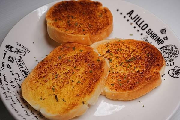 法式香蒜麵包.jpg