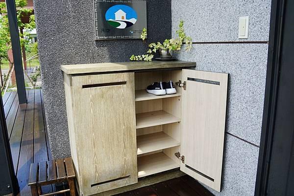 屋外鞋櫃.jpg