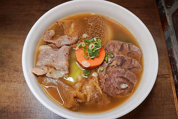 清燉莊園牛肉麵.jpg