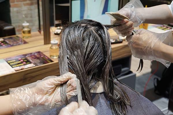 染髮過程1.jpg