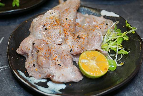 梅花肩胛肉.jpg