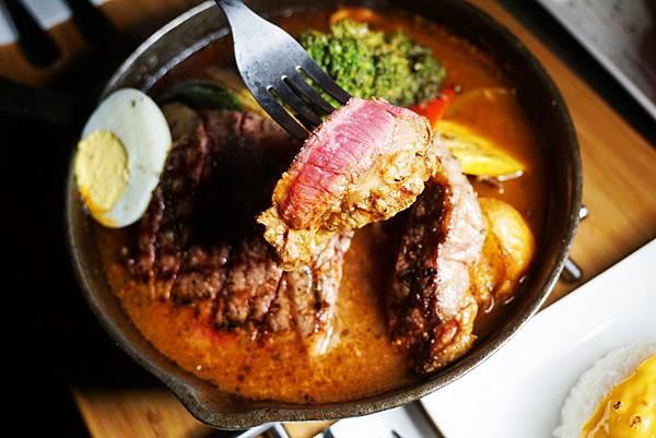 厚切牛排湯咖哩3.jpg
