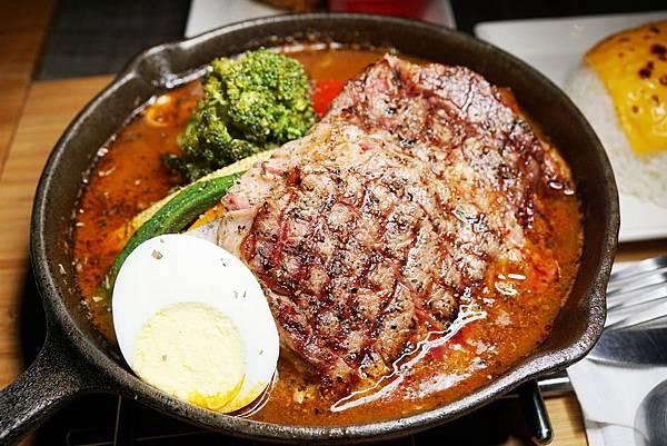 厚切牛排湯咖哩2.jpg