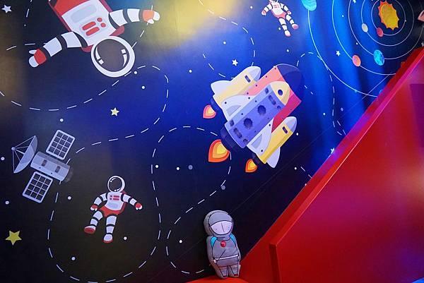 太空3.jpg