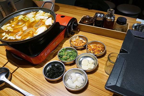 韓式部落鍋.jpg