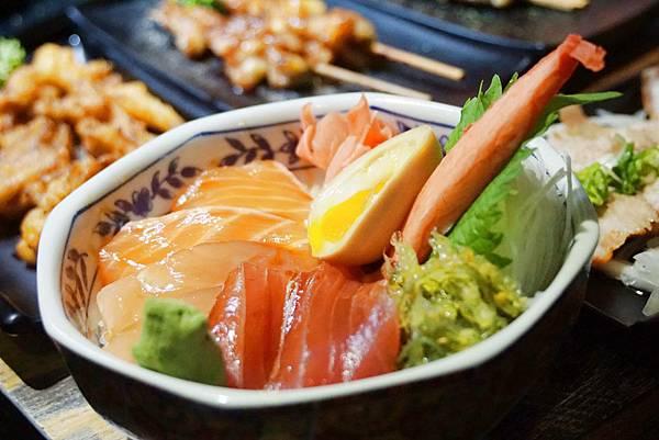 綜合生魚片丼飯1.jpg