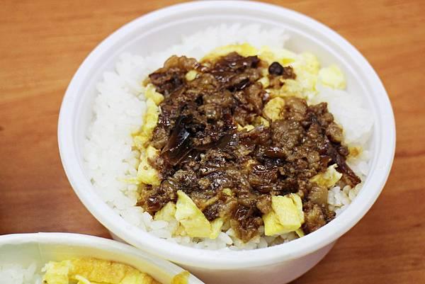 滷肉飯.JPG