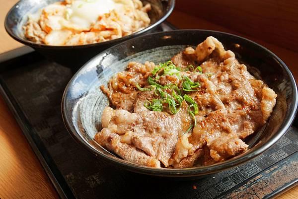 牛燒肉丼1.jpg
