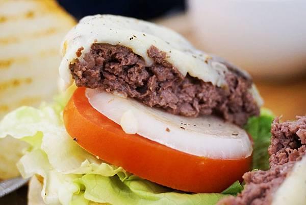 牛漢堡2.jpg