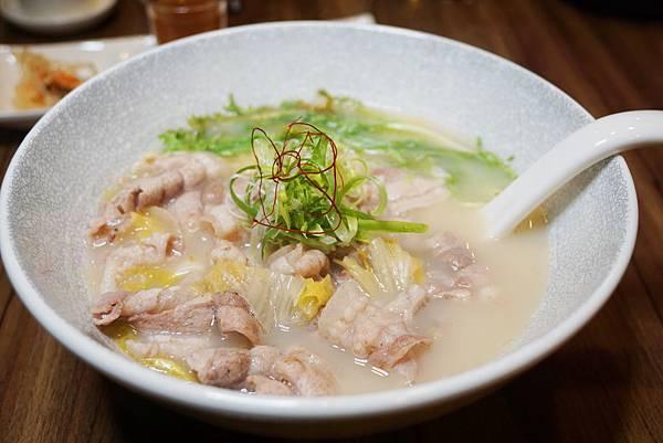 酸菜白肉麵1.jpg