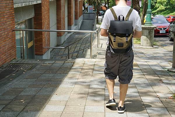 背袋3.jpg
