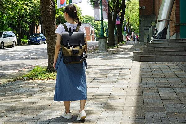 背袋4.jpg
