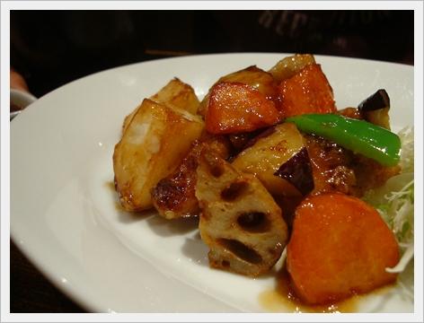 黑醋栗雞肉蔬菜定食1.JPG