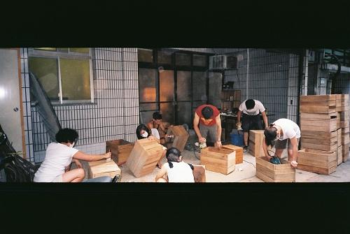 唐青-磨木箱.jpg