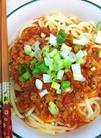 番茄紅咖哩麵