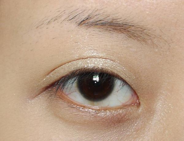 米金色眼蜜睜眼