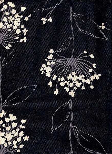 黑底斜紋繡球花棉布