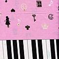 愛麗絲剪影鋼琴直幅印花棉布-下幅
