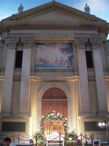 維納斯百貨內的教堂