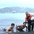 在南極游泳