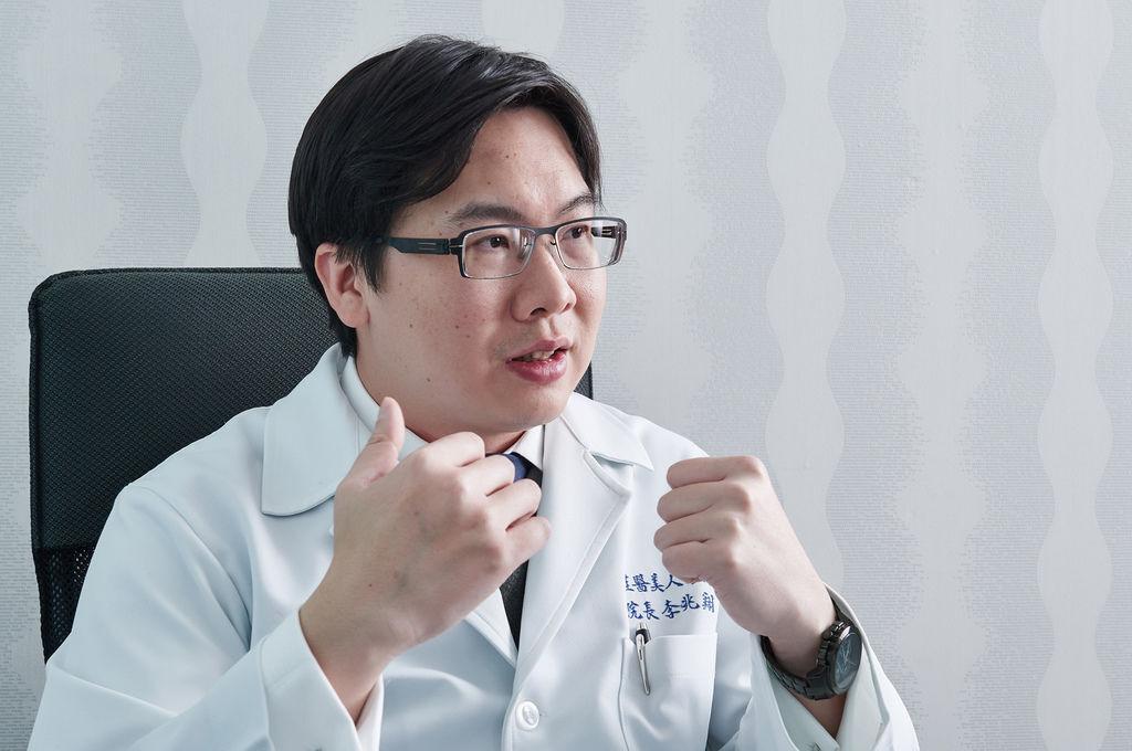 李兆翔醫師.jpg