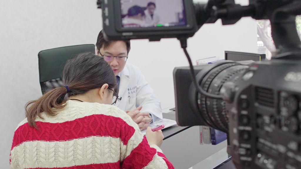 走在醫療美容前端十四年,美感與專業兼具的品質 - 中天新聞採訪李兆翔醫師
