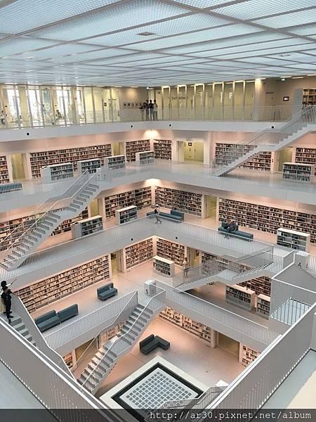 德國斯圖加特圖書館_180905_0016