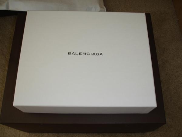 這次終於有紙盒了!!