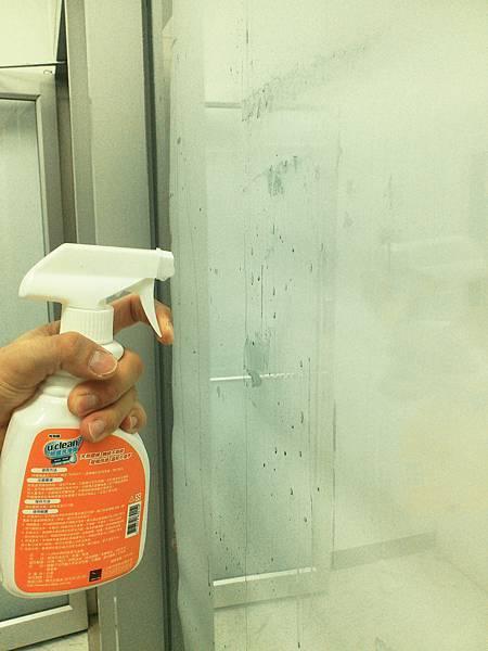 神奇除菌洗淨劑去除玻璃殘膠