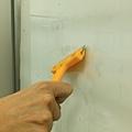 神奇除菌洗淨劑去除玻璃殘膠2