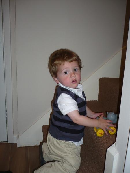 小Cousin Thomas...上次見到他時他才幾個月大而已呢...現在是個一歲半的小男生囉
