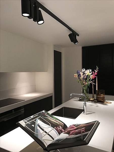 track-lighting-home (27).jpg