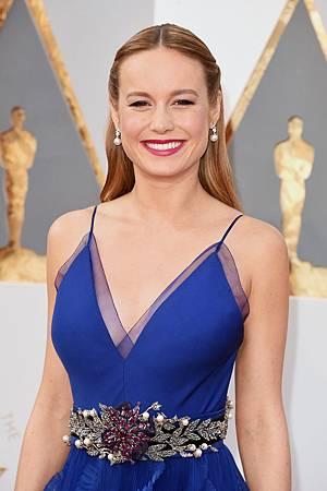 Brie-Larson-Oscars-2016 (1).jpg