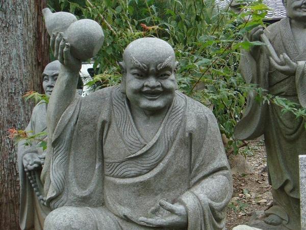 天龍寺路旁石像2.jpg