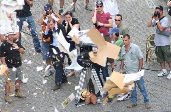 Leonardo+DiCaprio+Ellen+Page+Set+Inception+FwPatGaph3jl.jpg