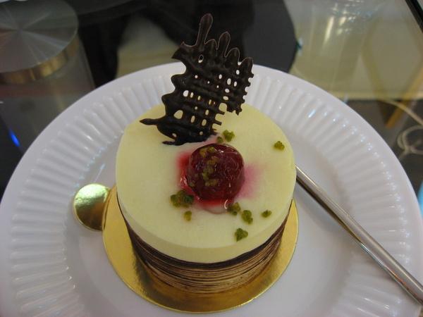 我最愛吃甜點了~蜂蜜慕斯