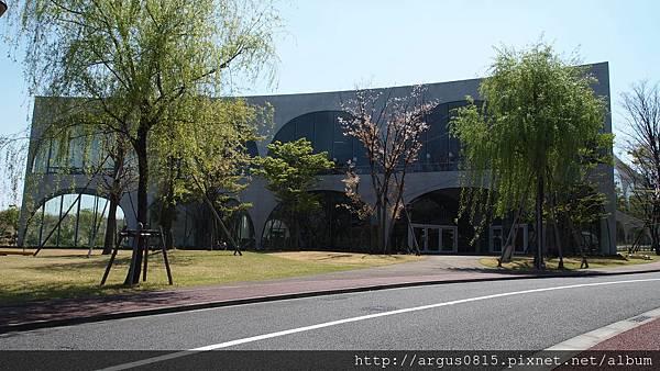 多摩美術大學