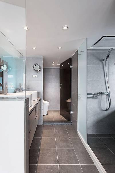 雙臉盆衛浴空間設計.jpg