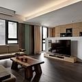 電視牆半高的設計,放大空間感,也多了一個小迴廊的感覺。