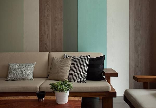 實木皮表面做鋼刷處理或是漆不同的顏色,更能呈現出質感。