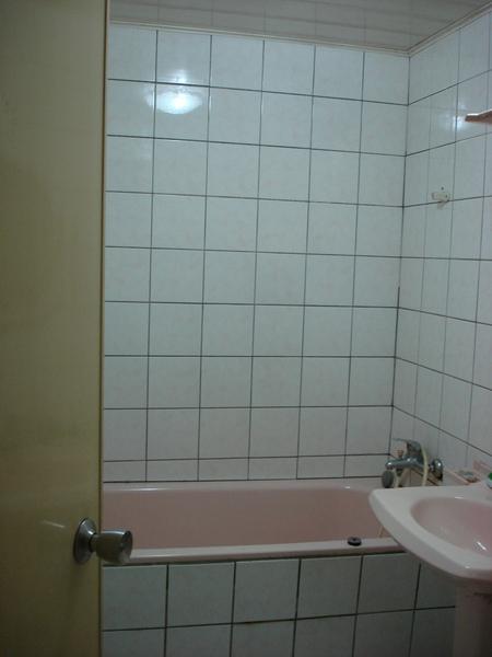 複製 -浴室前.JPG